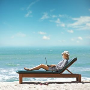 How To Keep Your Social Media Going While You Are On Vacation